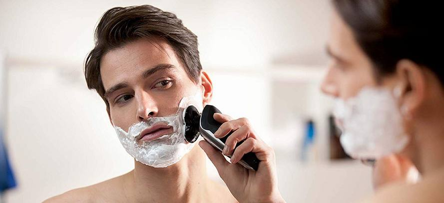 Philips Norelco Shaver 9700 with SmartClean
